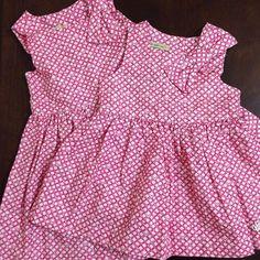 Para as mamães que gostam de vestir as irmãs com o mesmo look, recebemos este vestido linha baby (P, M e G) e os tamanhos 1, 2 e 3.