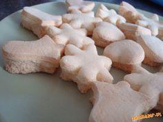 5 žĺtkov, 25 dkg pr. cukru a 1 malú lyžičku jelenej soli zmiešať a nechať stáť aspoň 5 hodín v chlad...