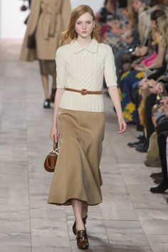 Michael Kors Collection Fall 2015 Ready-to-Wear Collection - Vogue Fashion Week, New York Fashion, Runway Fashion, Winter Fashion, Fashion Show, Fashion Looks, Womens Fashion, Fashion Design, Fashion Trends