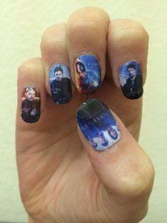 Supernatural nails :) #geeknailsdesign Supernatural Nails, Supernatural Party, Supernatural Merchandise, Supernatural Destiel, Cute Nails, Pretty Nails, Creative Nails, Cool Nail Art, Wedding Nails