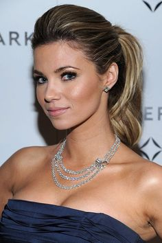 Showbiz Hottie: Amber Lancaster is the Grand Prize!