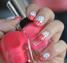 Zuckersüße Cupcake Nails! :)  http://favoritenails.blogspot.de/2013/06/zuckersue-cupcake-nails.html