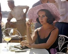 A Hollywood legend is gone, as Elizabeth Taylor has died. Here, a look back. Although Elizabeth Taylor first first appeared on screen at the age of nine, Hollywood Icons, Golden Age Of Hollywood, Hollywood Glamour, Classic Hollywood, Old Hollywood, Hollywood Stars, Edward Wilding, Jean Harlow, Marlene Dietrich