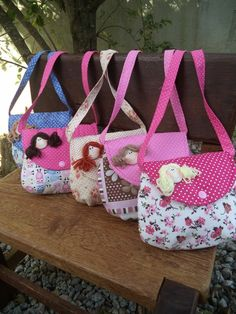 Patchwork Bags, Quilted Bag, Bag Quilt, Paper Purse, Bag Patterns To Sew, Fabric Bags, Girls Bags, Sewing Projects For Beginners, Handmade Bags