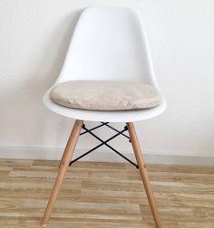 Beiges Crem Farbenes Sitzkissen Gepolstert Für Eames Stühle Hochwertiger  Velourstoff Sitzkissen Mit Reißverschluss Von CreativebeaDE Auf