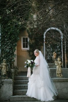 Winter bride, Lord Thompson Manor, CT | Lisa Rigby Photography
