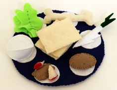 Passover Seder Plate Felt Food Dinner Play Set by MamasFeltCafe, $25.00
