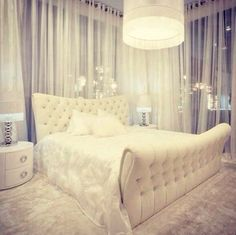 #AllWhiteEverything I would so have my room decorated like this