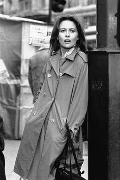 Faye Denaway sur le tournage du film La Maison Sous Les Arbres à Paris en 1971