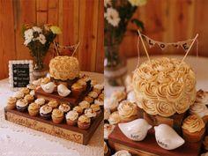 bolo rústico com cupcakes, se não para um casamento talvez para um noivado!