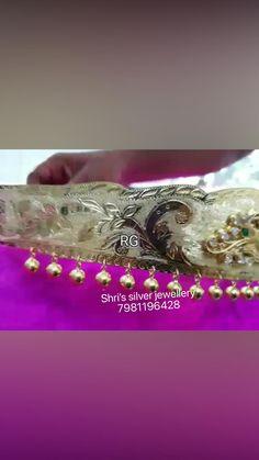 Silver Wedding Jewelry, Gold Jewelry Simple, Gold Rings Jewelry, Silver Hair, Gold Earrings Designs, Gold Jewellery Design, India Jewelry, Designer Earrings, Fashion Jewelry