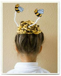 Run out of crazy hair day ideas? Here are 18 styles for the next crazy hair day at school or kid related events. Crazy Hair Day Girls, Crazy Hair For Kids, Crazy Hair Day At School, Crazy Hat Day, Days For Girls, Little Girl Hairstyles, Hat Hairstyles, Crazy Hairstyles, Funny Hairstyles