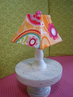 Barbie lamp and table