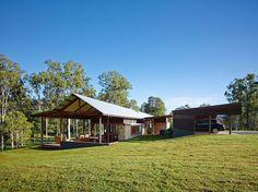 Gallery of Hinterland House / Shaun Lockyer Architects - 30