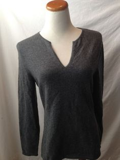 Super buttery soft cashmere.  Don't you want this as part of your fall & winter wardrobe essentails?    PRIVE' gray cashmere Vneck sweater Medium M #Prive #VNeck #cashmere