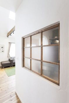 Small windows-full two-family house full of attention Scandinavian design just house Scandinavian glass Internal Sliding Doors, Room Divider Doors, Glass Brick, Interior Windows, Minimalist Room, Japanese Interior, Loft Spaces, Home And Deco, Architect Design