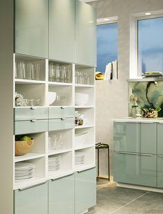Criem o layout ideal pra a vossa cozinha, com móveis que se adaptem à organização e utilização: cozinha funcional e bonita, inspiração sem fim.