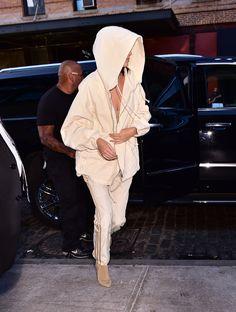 Kendall Jenner en total look Yeezy 4
