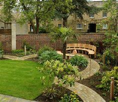 Sean Hellman: circular bench for Merton College, Oxford