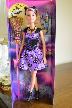 For the love of Barbie and all things dolly Disney Barbie Dolls, Disney Princess Dolls, Barbie Toys, Elsa And Anna Dolls, Barbie Camper, Barbie Celebrity, Barbie Halloween, Chelsea Doll, Bride Dolls