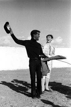 Sammy Davis y Palomo Linares Sammy Davis Jr, Garcia Alix, Alberto Garcia, Famous Historical Figures, Cecil Beaton, Photo Report, Man Ray, Female Photographers, New Friends