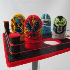 Mexican Thumb Wrestlers and 9 other Cinco de Mayo crafts for kids!