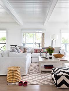 Décorez avec le blanc sans commettre de faux pas ! Parcourez 20 magnifiques espaces blancs qui prouvent que cette couleur est encore la plus chic.