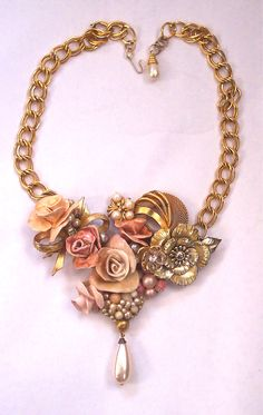vintage jewelry crafts Sculpted Flower Bib Necklace Repurposed Vintage Jewelry via Etsy. - Sculpted Flower Bib Necklace Repurposed Vintage Jewelry via Etsy. Vintage Jewelry Crafts, Recycled Jewelry, Vintage Costume Jewelry, Jewelry Art, Gemstone Jewelry, Beaded Jewelry, Jewelry Accessories, Jewelry Design, Handmade Jewelry