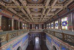 Focus sur le Castello di Sammezzano, chateau caché au beau milieu des collines de la Toscane de l'Italie du Nord. Construit il y a plus de 4...