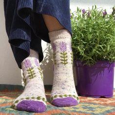 Crochet Socks, Knitting Socks, Hand Knitting, Knit Crochet, Wool Socks, Fingering Yarn, Different Stitches, Sock Yarn, Hand Dyed Yarn