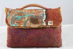 Julie Trulson. Felt bag for drawing journal and supplies, via Flickr.