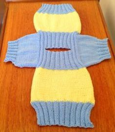 baby pullover Fish and Chip Baby Knitting Patterns: I really thought that my mother had finally lost the plot on the phone last week when she said that she was knitting jumpers for the fish and chip babies! Knitting For Charity, Knitting For Kids, Easy Knitting, Knitting Ideas, Baby Cardigan Knitting Pattern Free, Dog Sweater Pattern, Baby Sweater Patterns, Pants Pattern, Baby Patterns