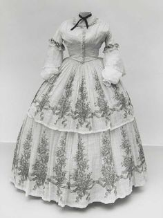 """Original pin said, """"Dress ca. 1850s Fashion, Victorian Fashion, Vintage Fashion, Vintage Outfits, Vintage Dresses, Antique Clothing, Historical Clothing, Old Dresses, Nice Dresses"""