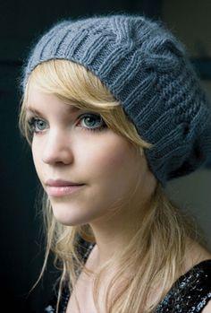 Вы не любите обыкновенные скучные шапки, зато любите мастерить оригинальные вещи своими руками? Тогда предлагаем вам связать спицами очень симпатичную шапку с косами! Она изящно дополнит ваш осенне-зимний гардероб.