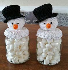 34 Ideas crochet christmas gifts winter for 2019 Christmas Crochet Patterns, Crochet Christmas Ornaments, Holiday Crochet, Crochet Gifts, Christmas Projects, Christmas Crafts, Christmas Decorations, Crochet Jar Covers, Crochet Snowman