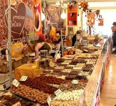 Chocolando - Chocolate Festival:  Oct. 11-13, 2013, in Soave, Via Roma. about 23 miles west of Vicenza. Free chocolate tasting and chocolate workshops in Via Roma, free jazz and blues concerts, and food booths.