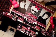 Monster High 8th Birthday Party via Karas Party Ideas | KarasPartyIdeas.com #monster #high #birthday #party (17)