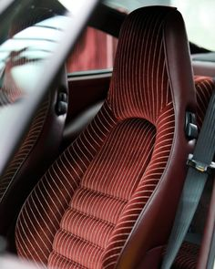 Vintage pinstripes in a 1989 Porsche Custom Car Interior, Car Interior Design, Automotive Design, Car Interior Upholstery, Automotive Upholstery, Srt8 Jeep, Bomber Seats, Inside Design, Transportation Design