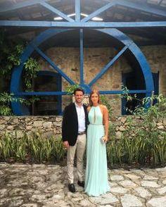 Marina Ruy Barbosa posou ao lado do noivo, Xandinho Negrão, e compartilhou…