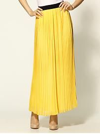 I don't normally go for yellow, but am definitely into this Hive and Honey skirt.