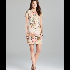 Tory Burch Floral Short Sleeved Dress Beautiful dress, in great condition! Tory Burch Dresses