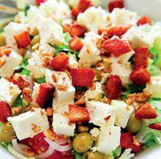 Salată hrănitoare - Retete culinare - Romanesti si din Bucataria internationala Aioli, Bloody Mary, Tahini, Feta, Dairy, Cheese, Recipes, Recipies, Ripped Recipes