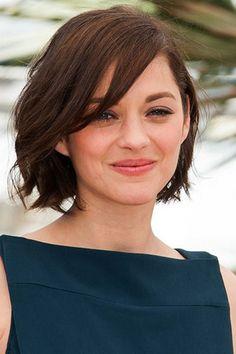 Женщинам с коротенькими волосами очень легко ухаживать за своей копной