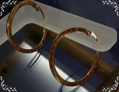 *** Na minha loja tenho duas versões de argolas Bvlgari para vc arrasar! Todas banhadas a ouro 18K com garantia de 1 ano. Uma em ródio e outra e ouro rosê. Confira: 1)http://www.elo7.com.br/argola-bvlgari-banho-amarelo/…/659D4C