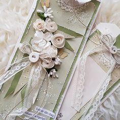 "44 likerklikk, 12 kommentarer – Mette Rønning Buskum (@mettebuskum) på Instagram: ""Bursdagskort 💚 #kortlaging #scrapping # cardmaking #instacraft #craft #piondesign #mettekort…"" Greeting Cards, Gift Wrapping, Instagram Posts, Gifts, Gift Wrapping Paper, Presents, Wrapping Gifts, Favors, Wrap Gifts"