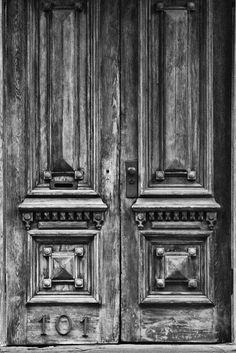 No 101 Weathered Wooden Doors - Savannah, Georgia (IMG_7642)