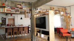 sala de tv: Salas de estar Moderno por omnibus arquitetura