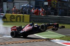 Jean-Eric Vergne (FRA) Scuderia Toro Rosso STR7 spins out of the race.  Formula One World Championship, Rd 13, Italian Grand Prix, Race, Monza, Italy, Sunday, 9 September 2012