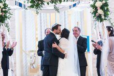 Conservative Jewish Congregational Wedding//chuppah kiss