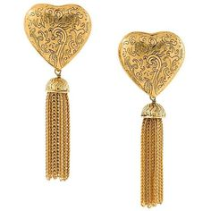Yves Saint Laurent Vintage draped chain heart earrings (11 765 UAH) ❤ liked on Polyvore featuring jewelry, earrings, metallic, vintage jewelry, heart shaped jewelry, tassle earrings, heart jewelry and vintage heart jewelry